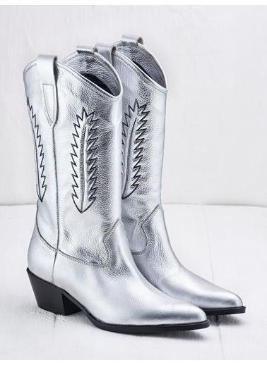 Elle Kovboy Bot Gümüş